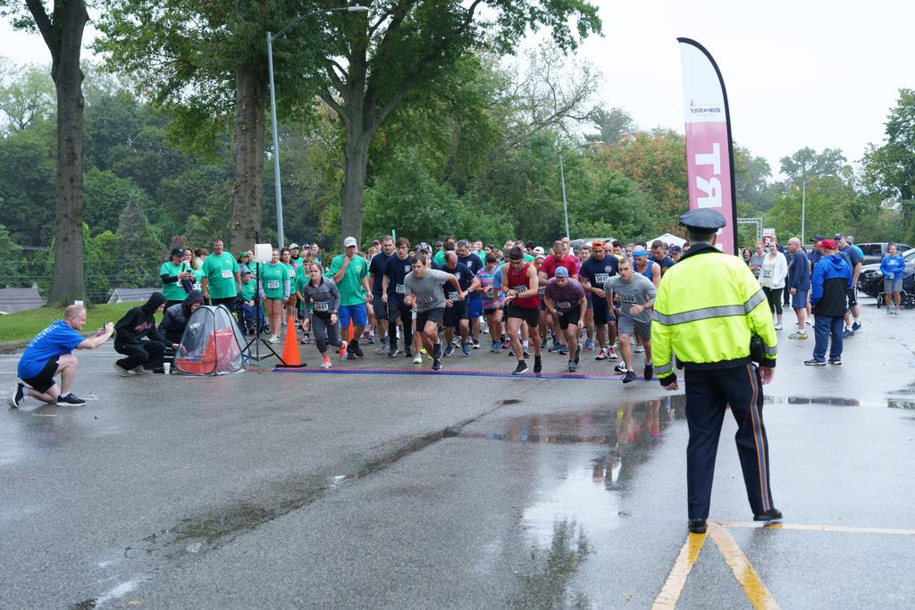 WGFC team members are visible as the race gets underway.