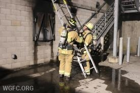 Ground ladder placement