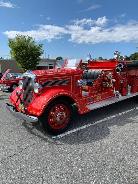 A beautiful Reo Pumper from the 1930s (Frederica, Delaware)