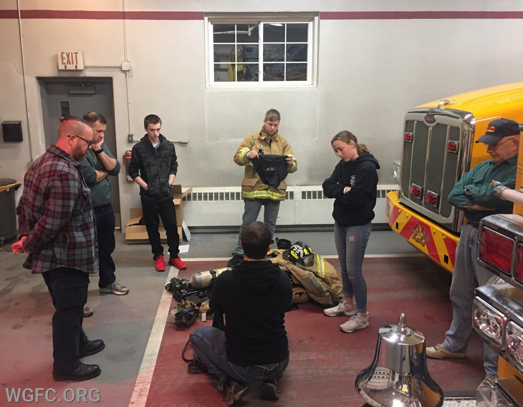 New members and Junior members getting the fundamentals of the SCBA.